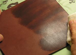 ニートフットオイルの塗布
